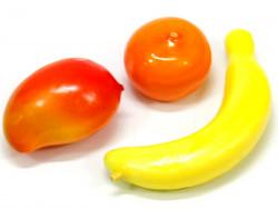 Owoce ozdobne (banan mango mandarynka)